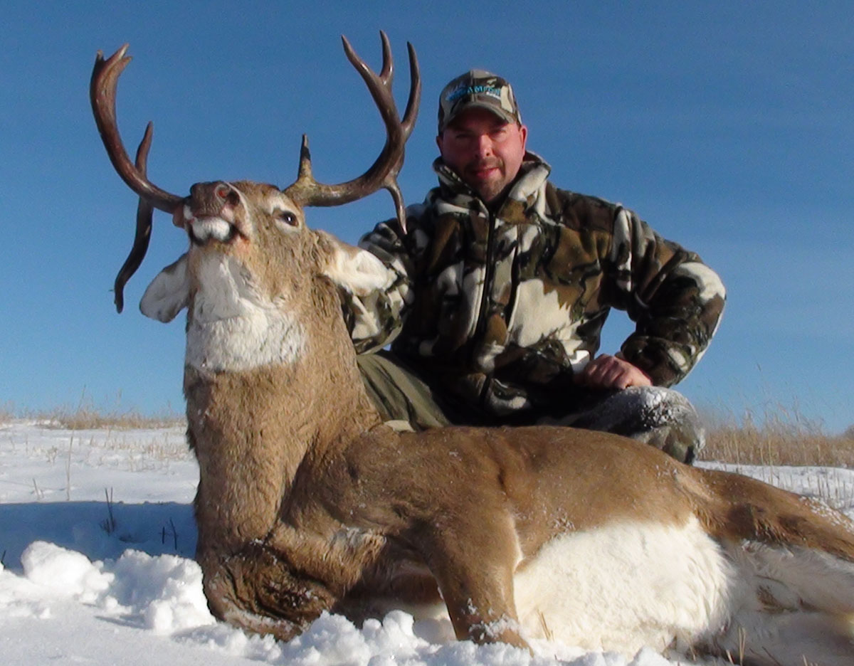 Alberta Whitetail Deer Rut Hunts